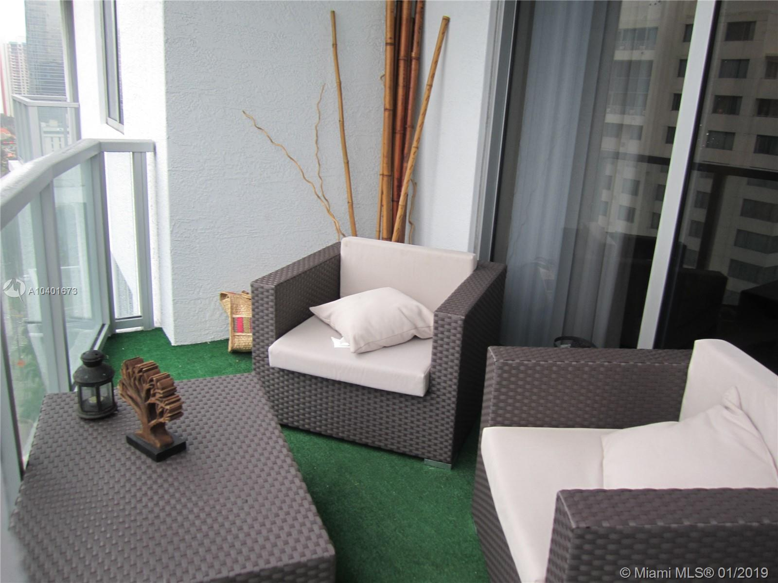 1060 Brickell Ave #1805 photo010