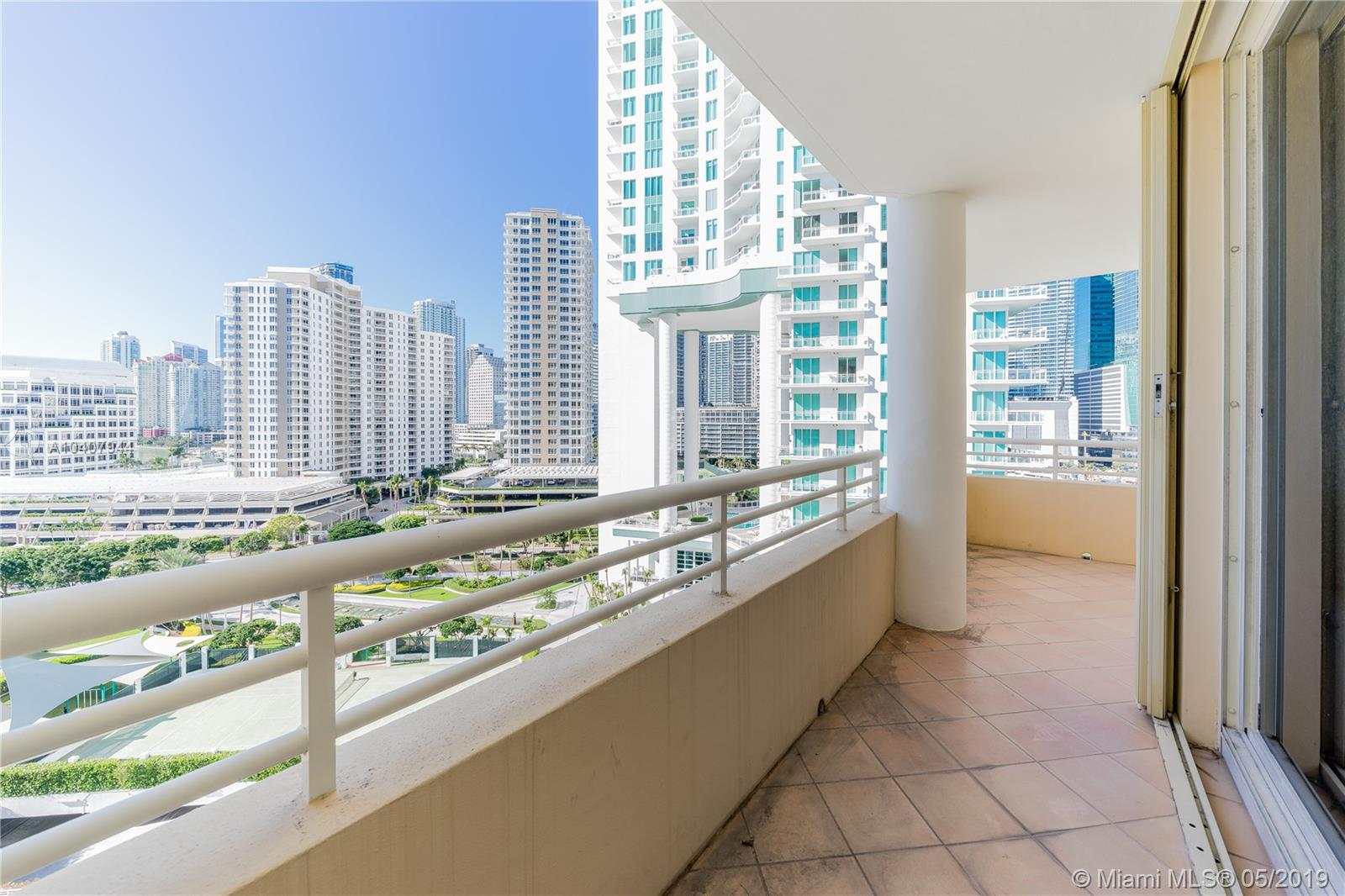 888 Brickell Key Dr #1202 photo02