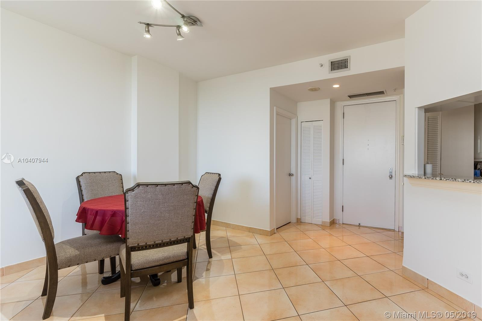 888 Brickell Key Dr #1202 photo04