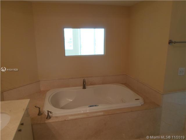 411 N New River Dr E #2303 photo013