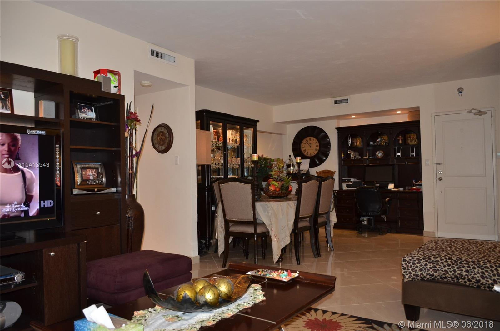10185 Collins Ave #222 photo014