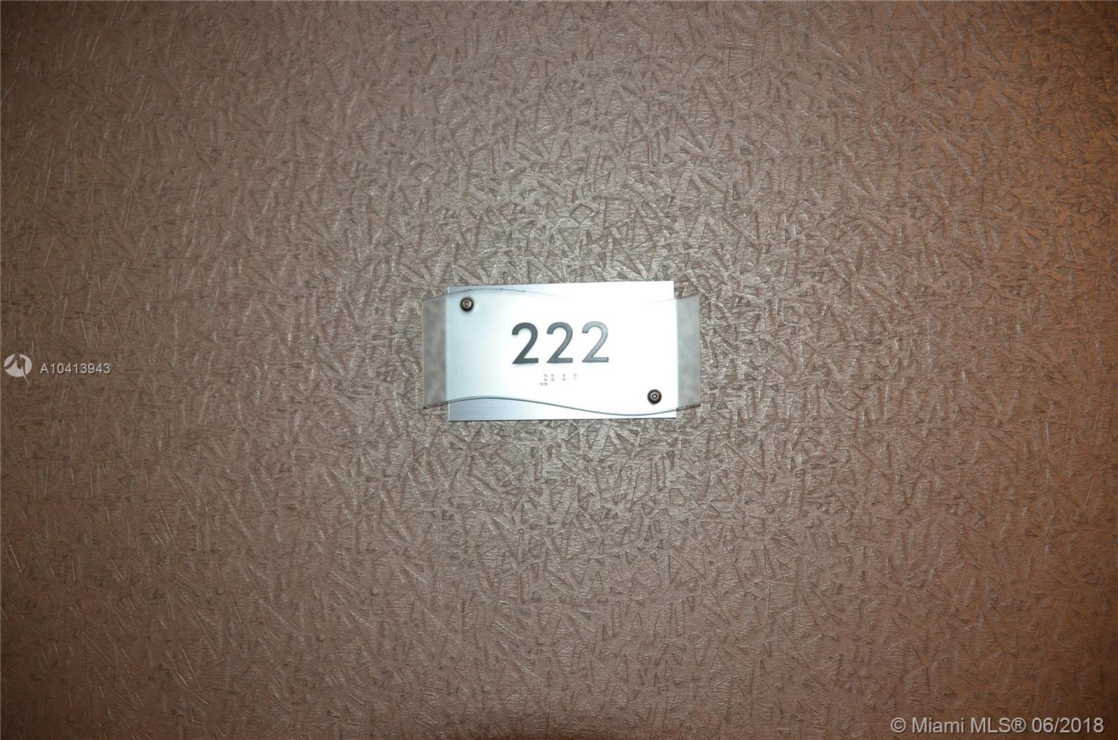 10185 Collins Ave #222 photo02