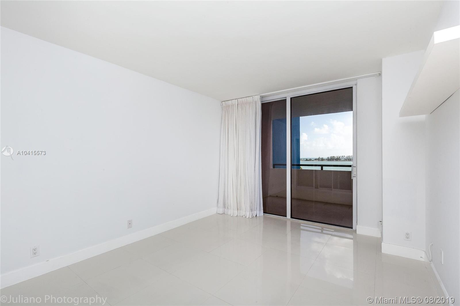 1581 Brickell Ave #205 photo021