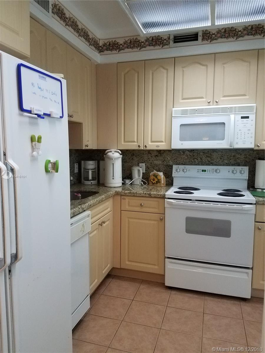 5333 Collins Ave #404 photo03