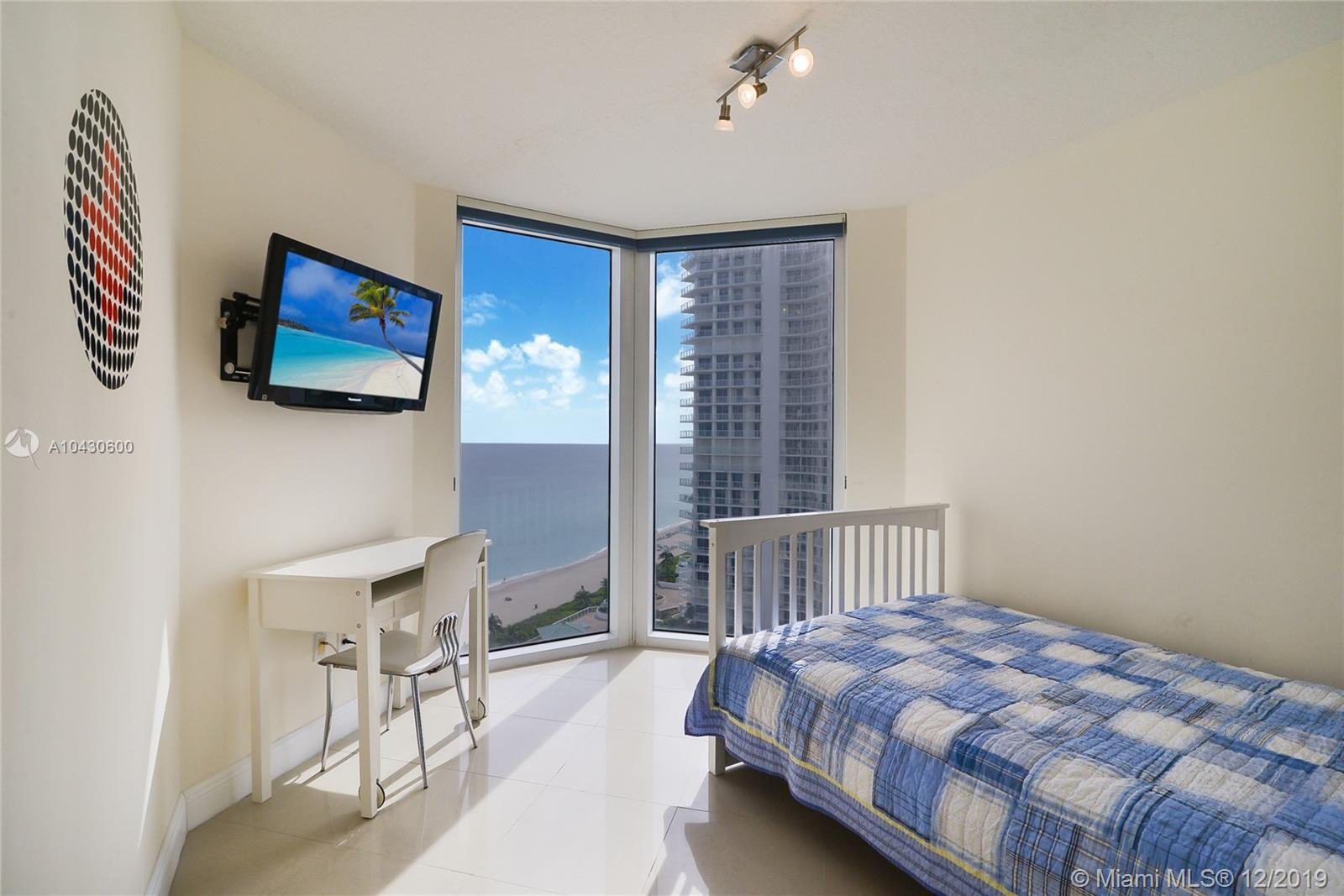 16699 Collins Ave #1709 photo010