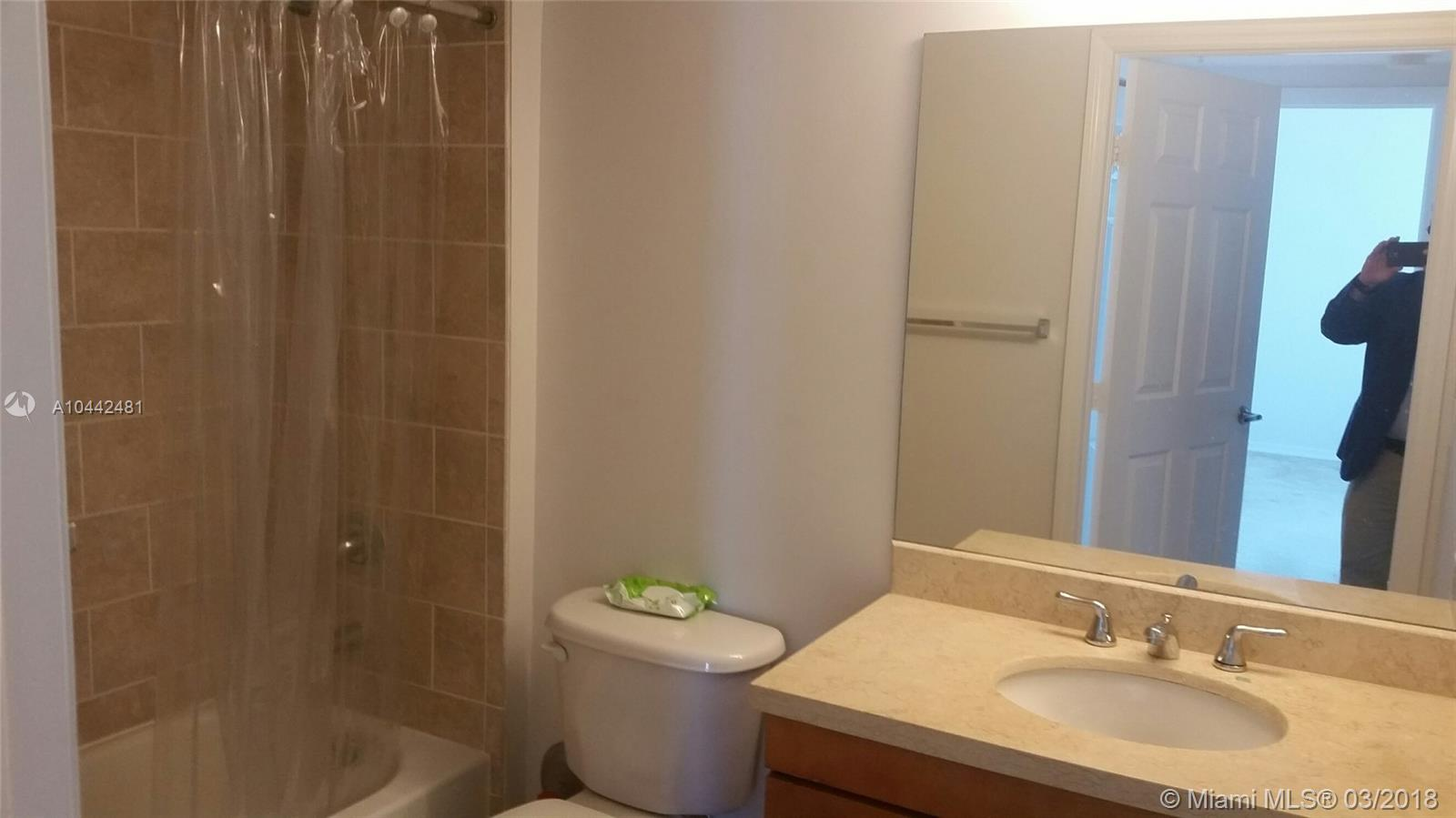 1723 SW 2nd Ave #1107 photo09