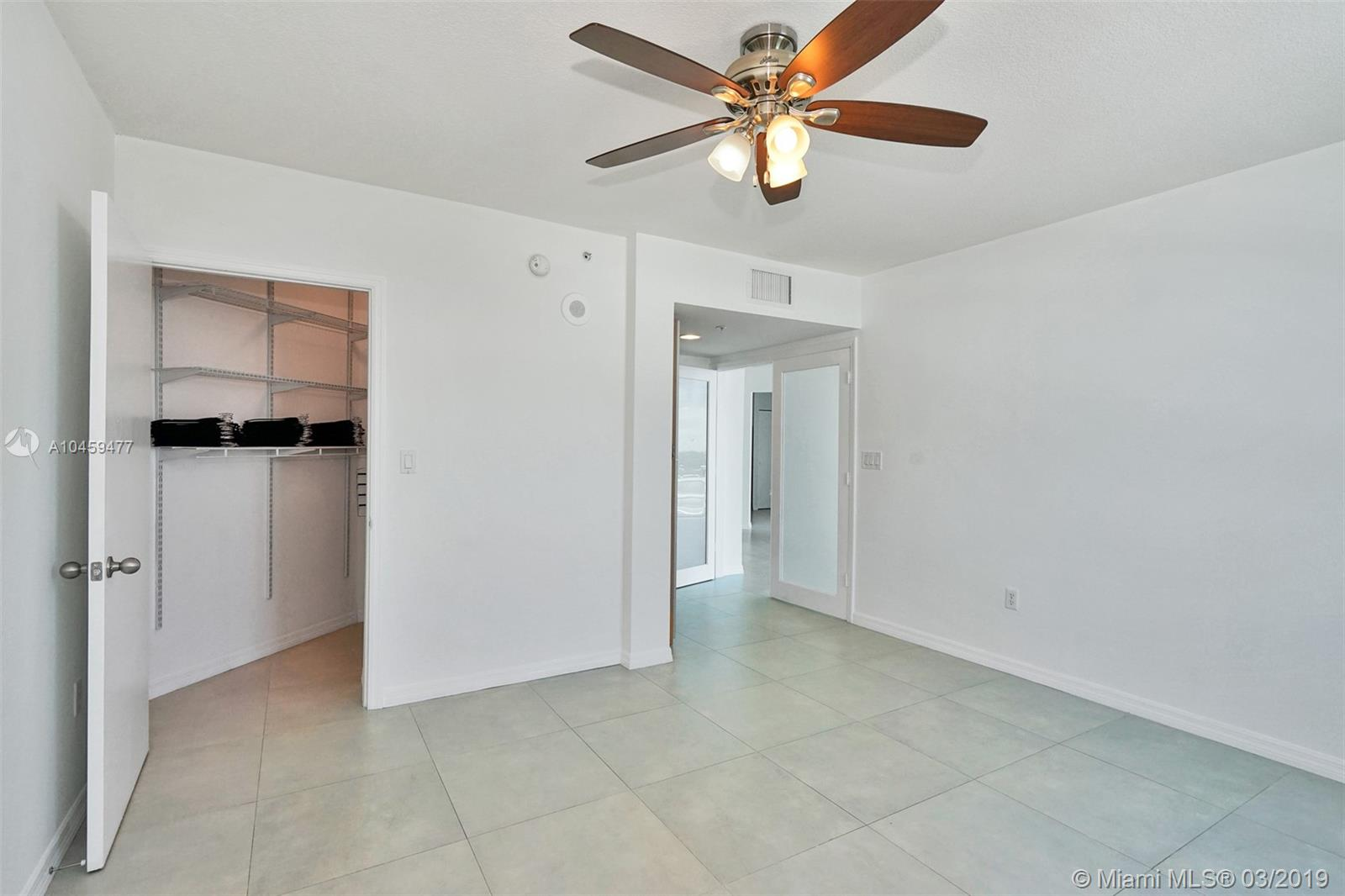 9201 Collins Ave #822 photo06