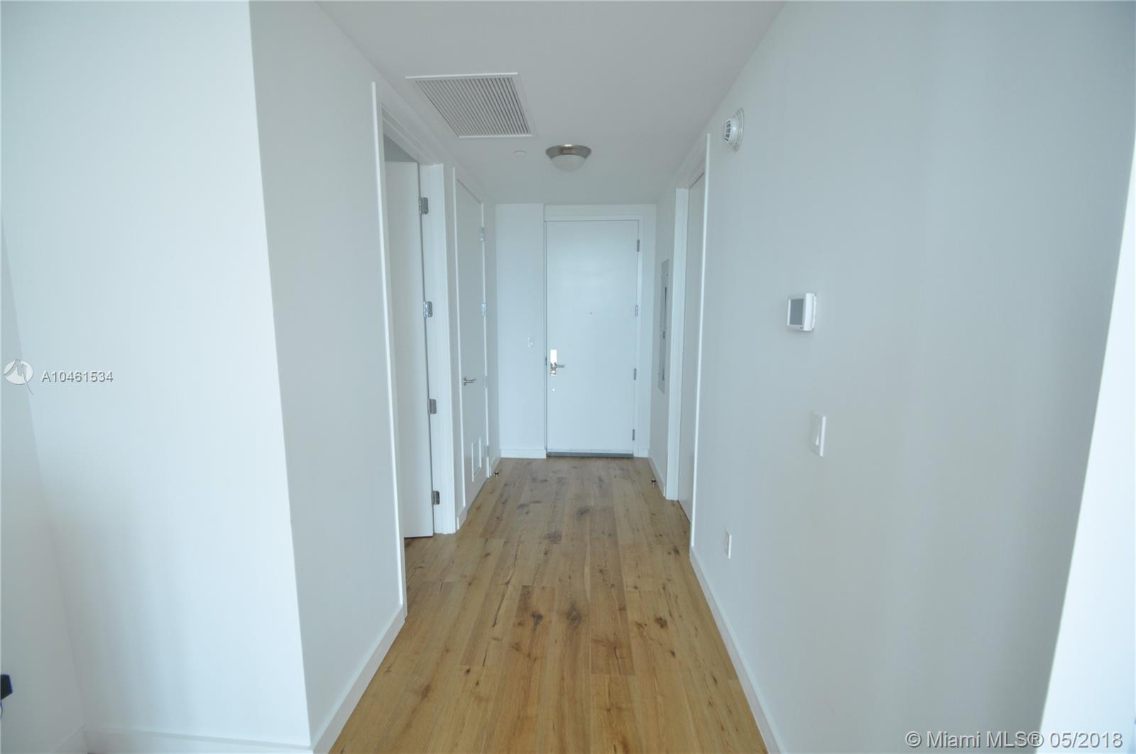 17475 Collins Ave #804 photo023