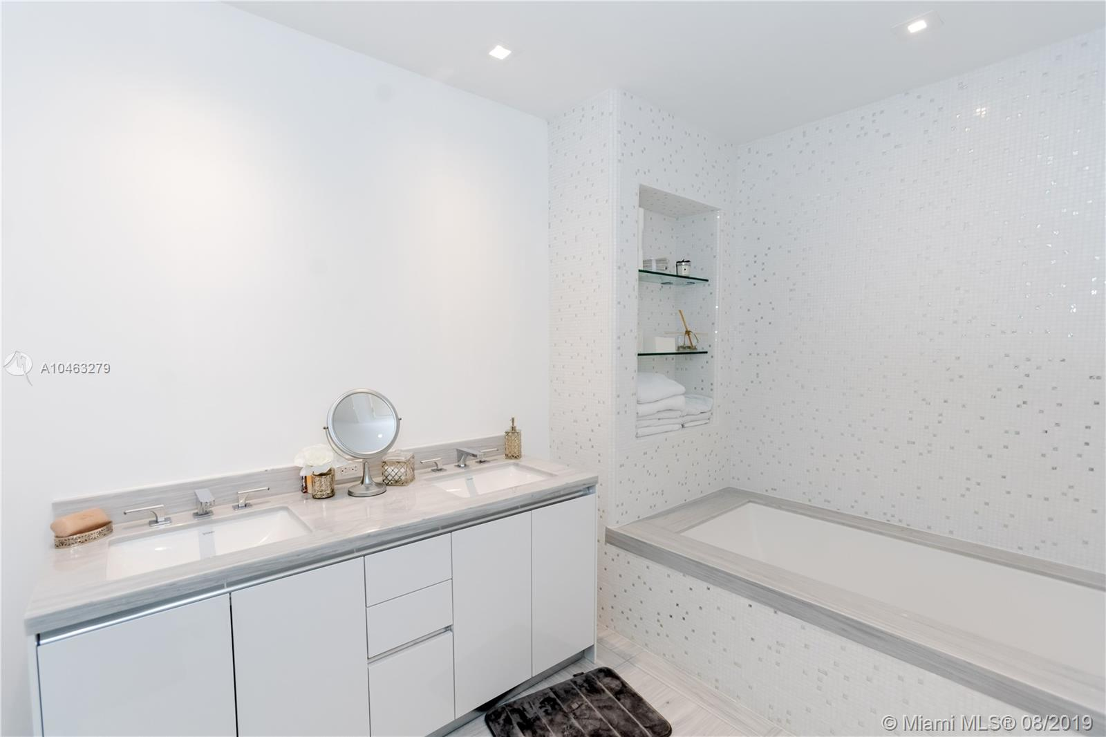 16901 Collins Ave #604 photo028