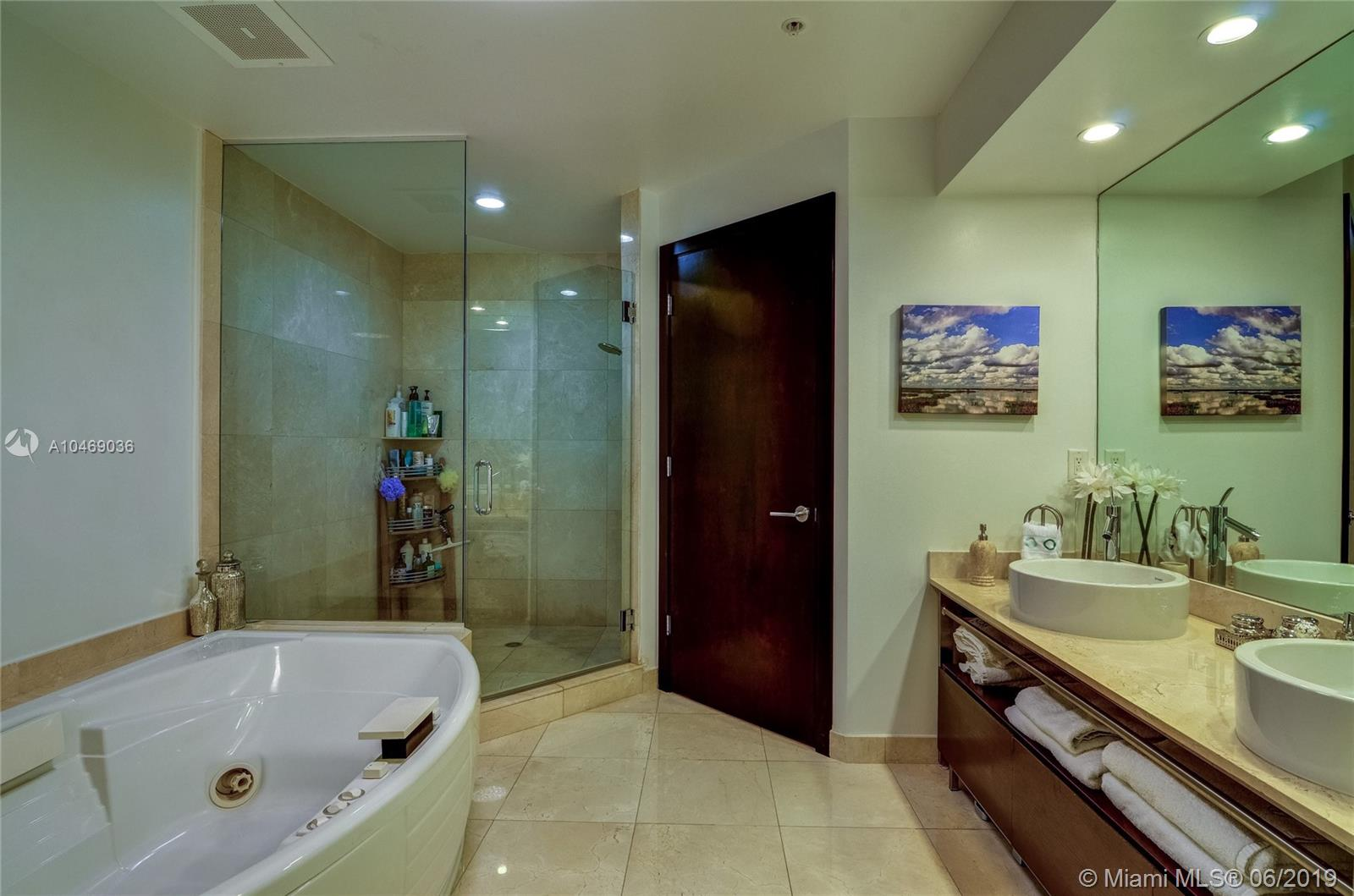 16275 Collins Ave #2202 photo016