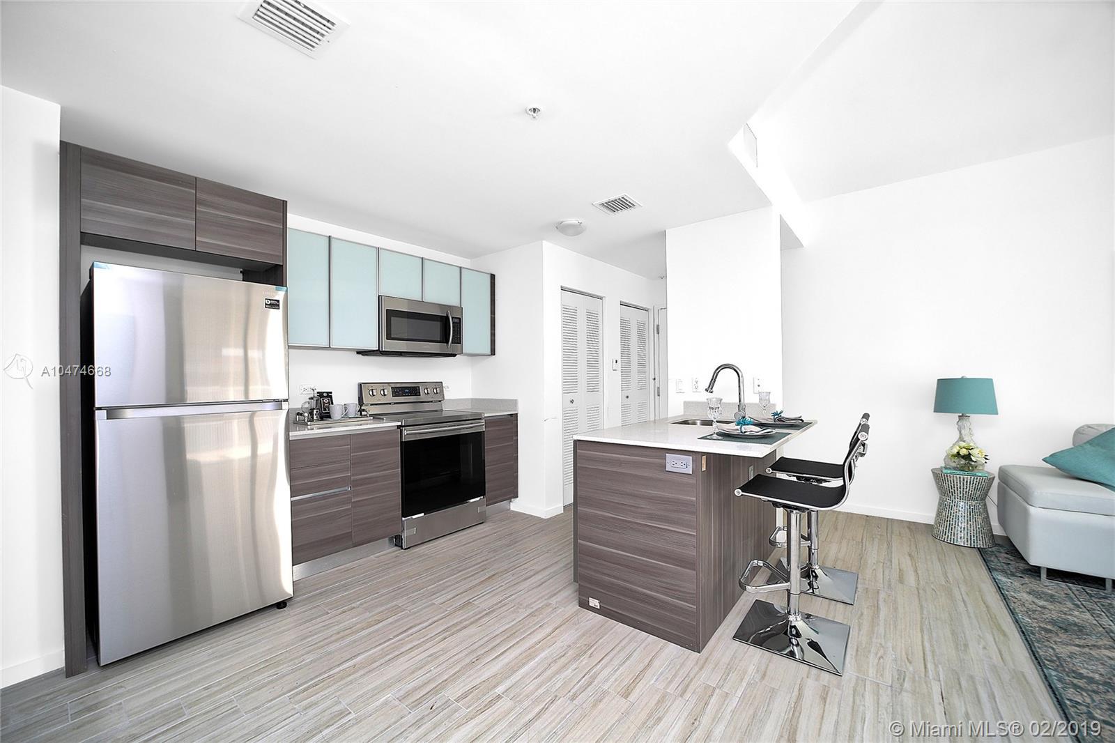 Property 481 NE 29 #703 image 4