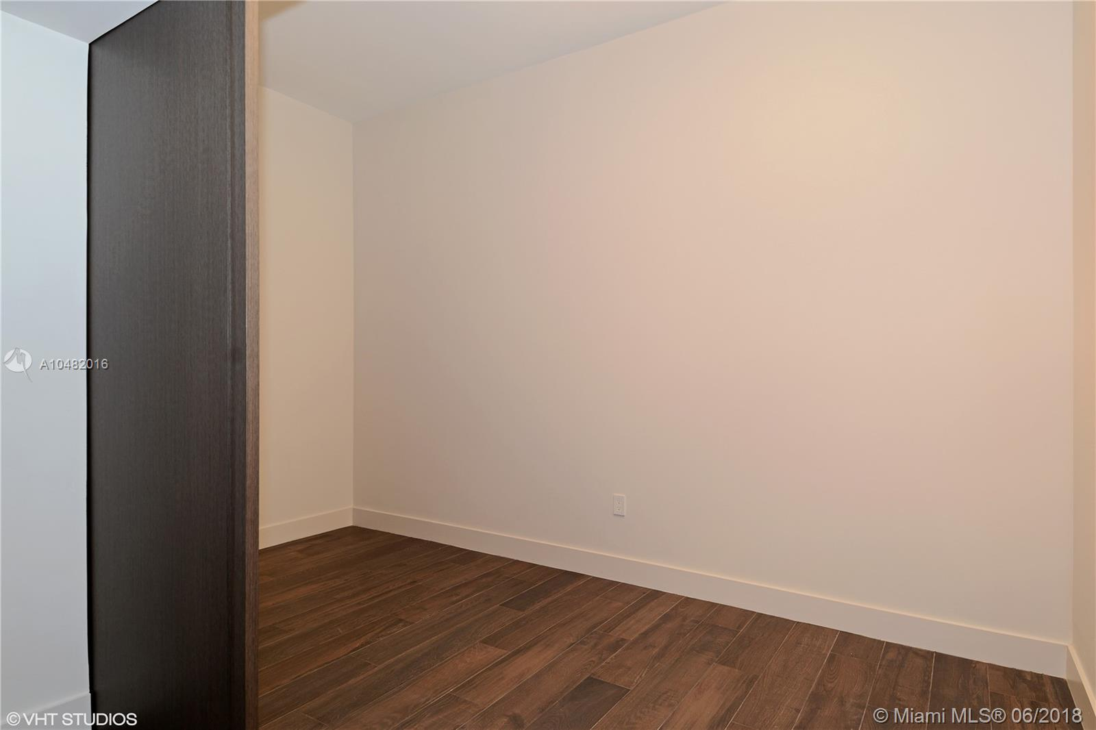 17475 Collins Ave #1202 photo012