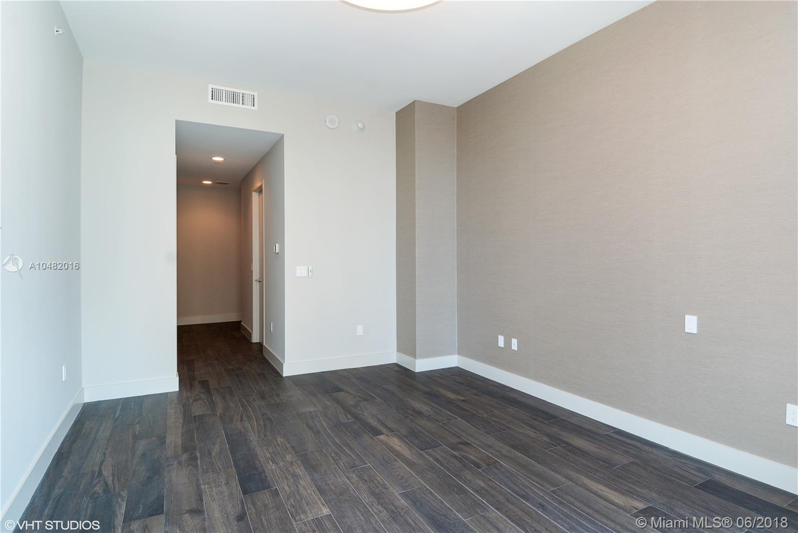 17475 Collins Ave #1202 photo014