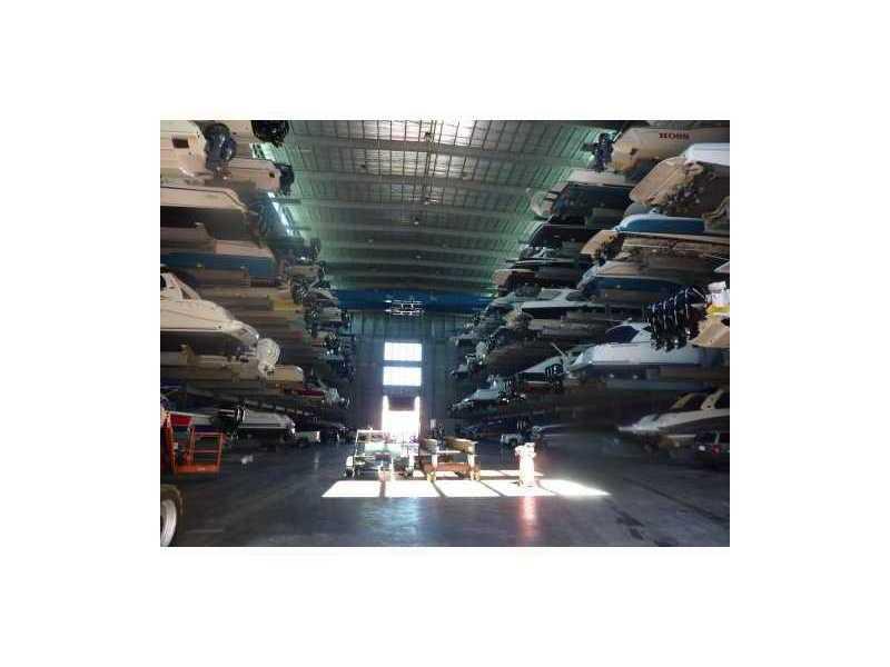 Port Condo #1010 photo07