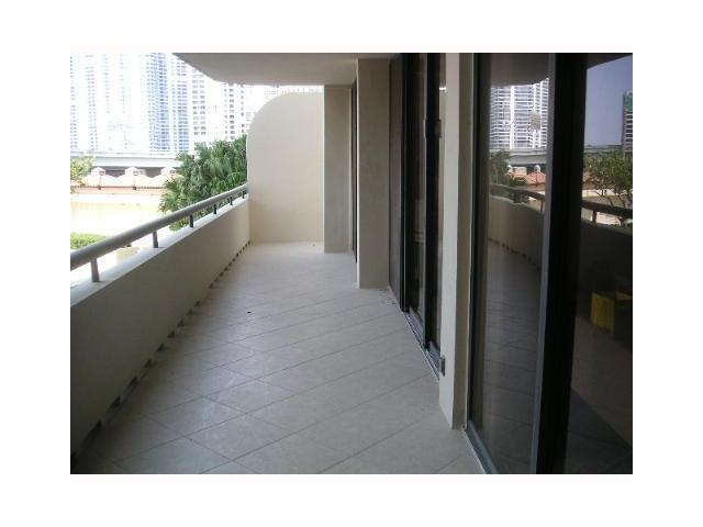 Turnberry Towers #3-F photo11