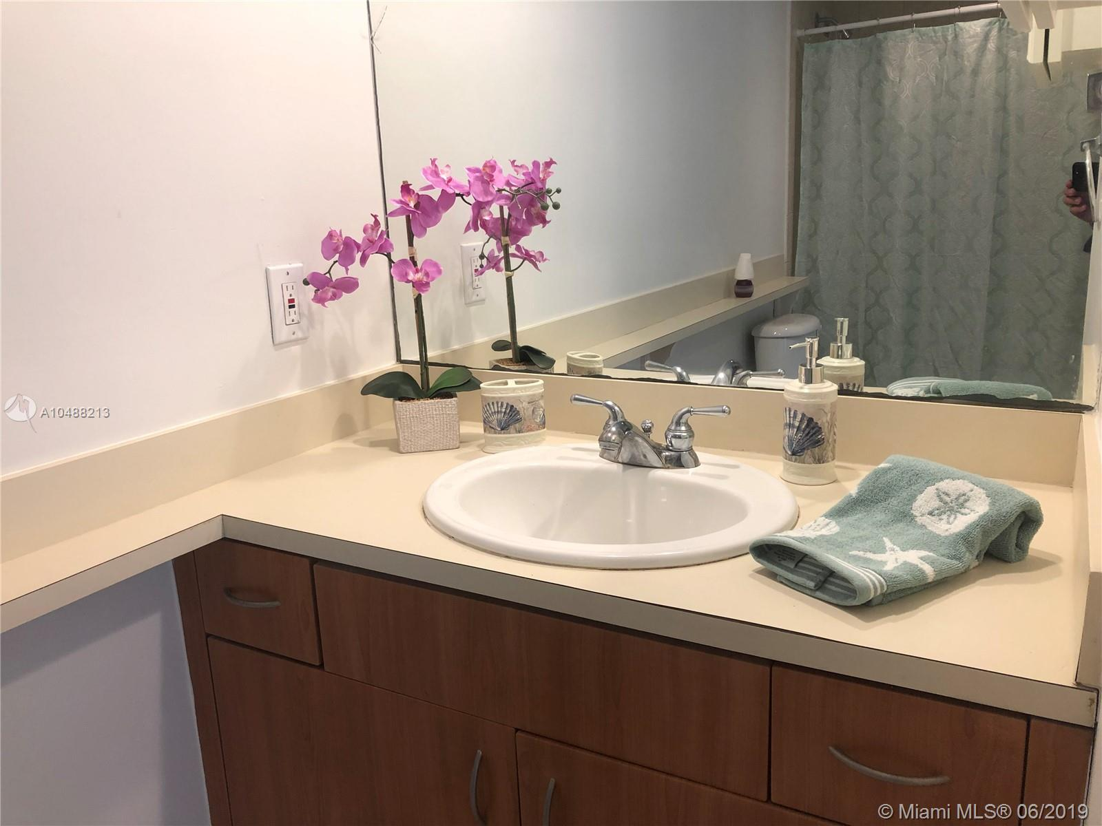 5600 Collins Ave #14B photo010