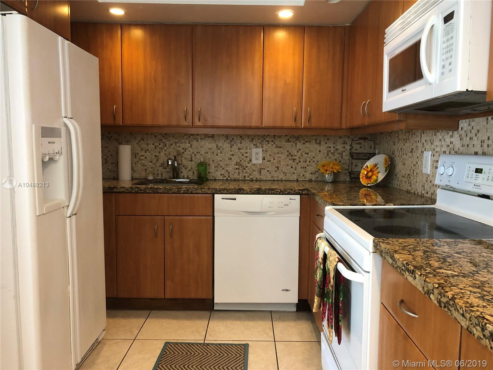 5600 Collins Ave #14B photo04