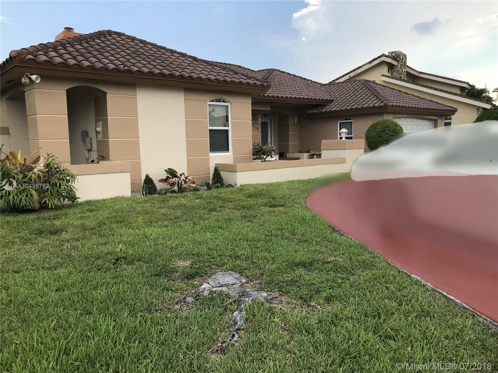 Property for sale at 7400 N Augusta Dr, Hialeah,  Florida 33015