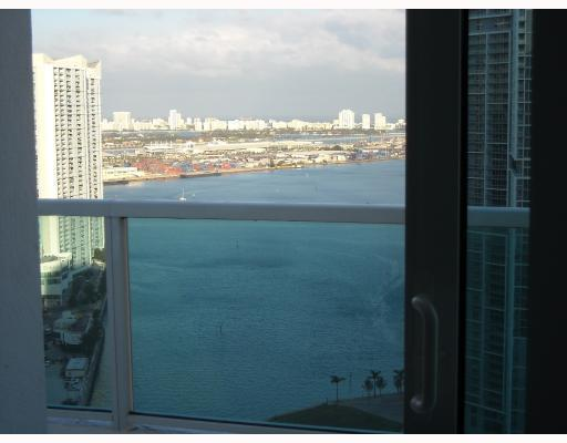 Brickell on the River #2001 photo01