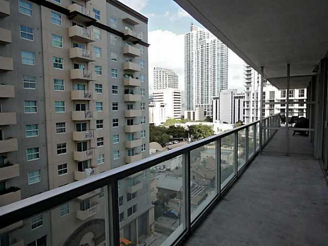 Axis on Brickell #1021-N photo05