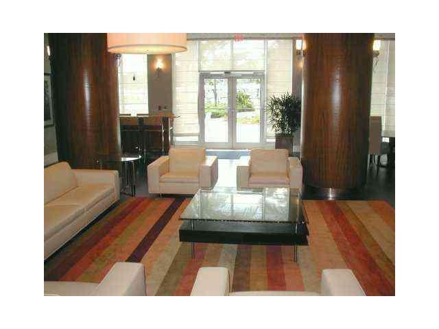 Residences on Hollywood #625 E photo23