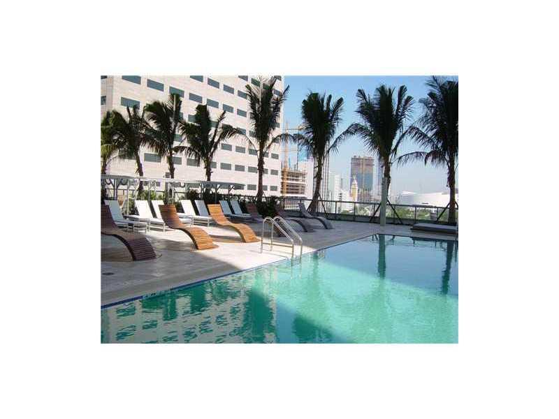 One Miami #4106 - 09 - photo