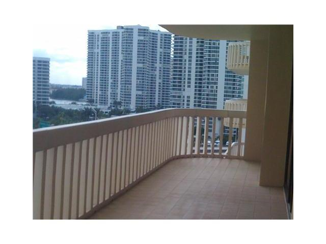 Turnberry Towers #9-F - 01 - photo