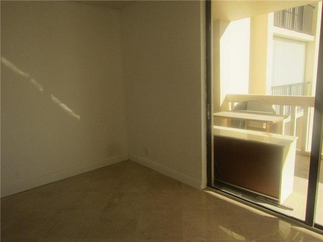 Turnberry Towers #9-F - 04 - photo