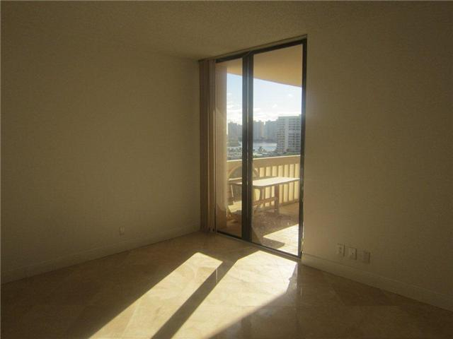 Turnberry Towers #9-F - 05 - photo