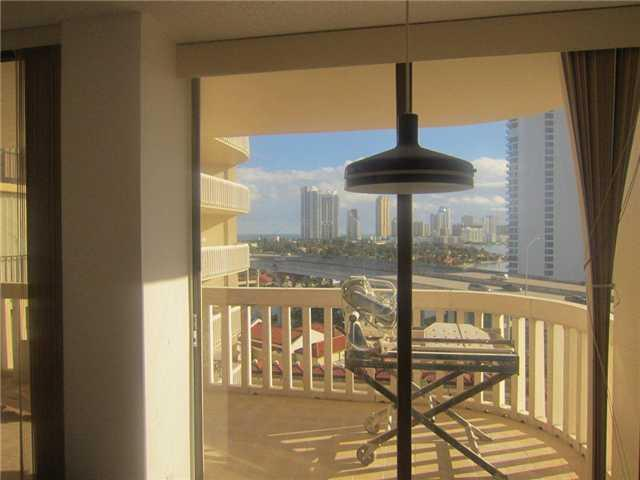 Turnberry Towers #9-F - 06 - photo
