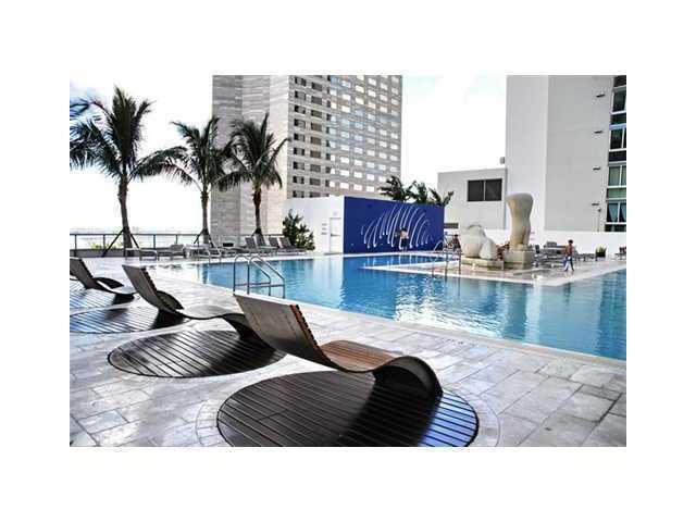 One Miami #2126 - 03 - photo