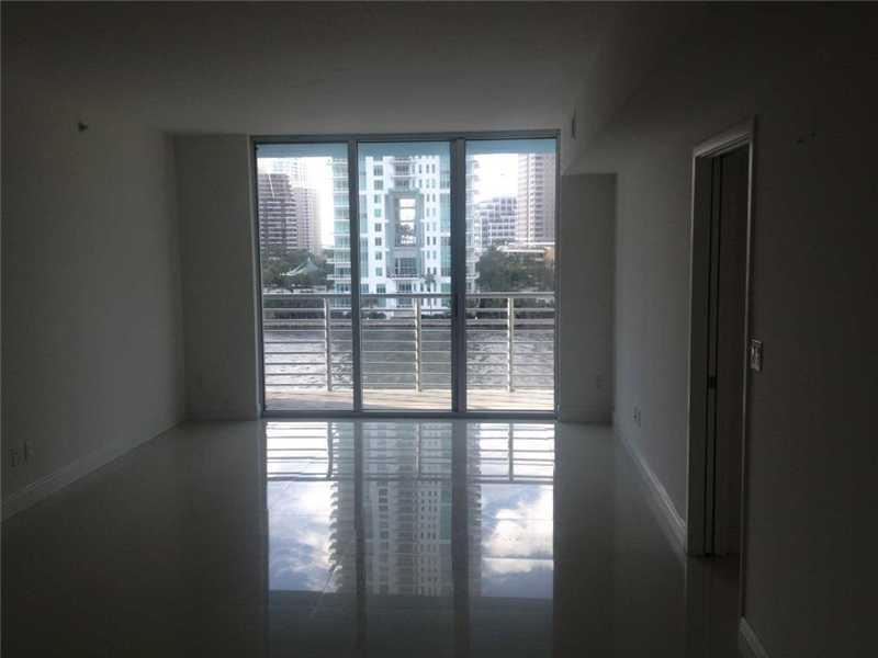 One Miami #721 - 06 - photo