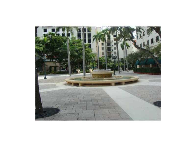 Puerta De Palmas #405 - 33 - photo