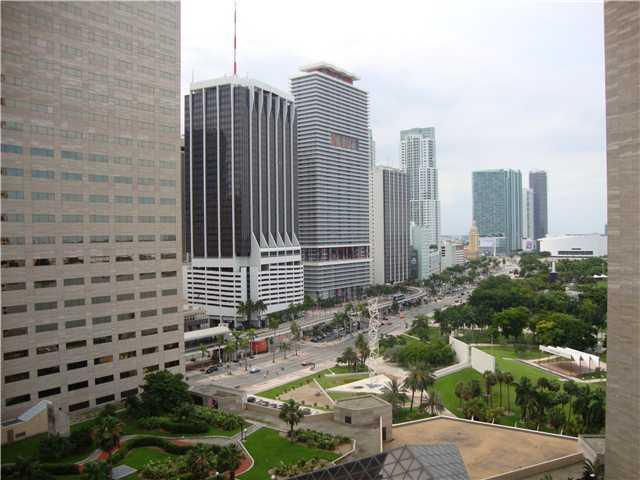 One Miami #1802 photo01