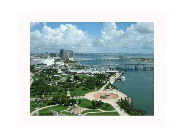 One Miami #1820 photo01