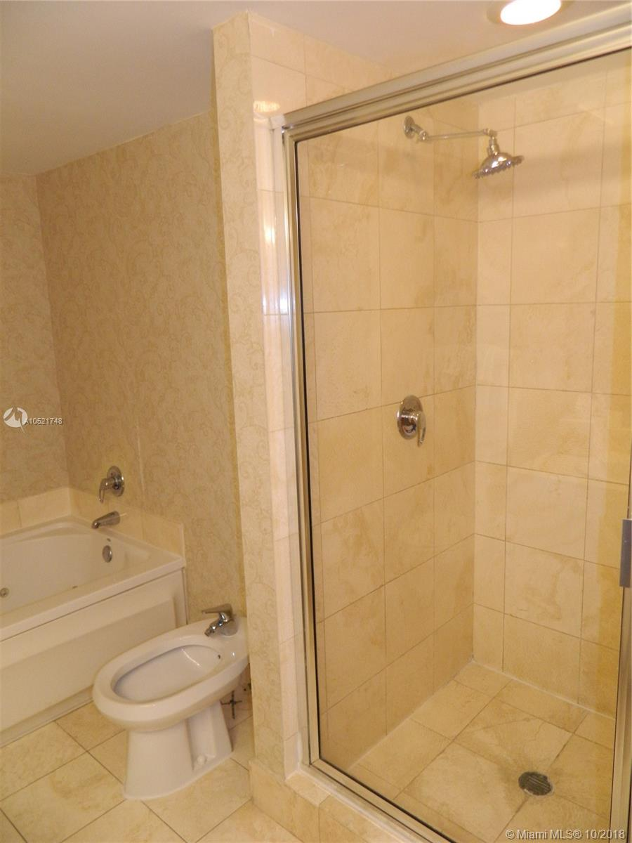 17375 Collins Ave #806 photo011