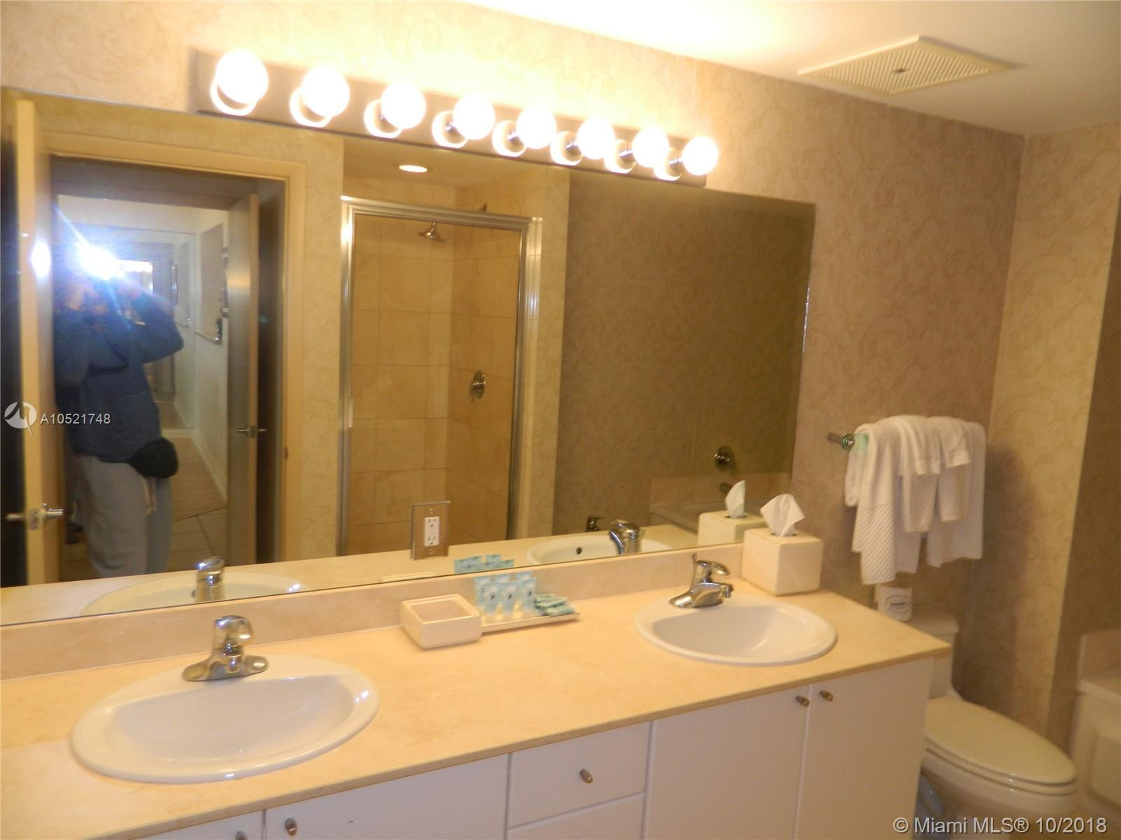 17375 Collins Ave #806 photo014