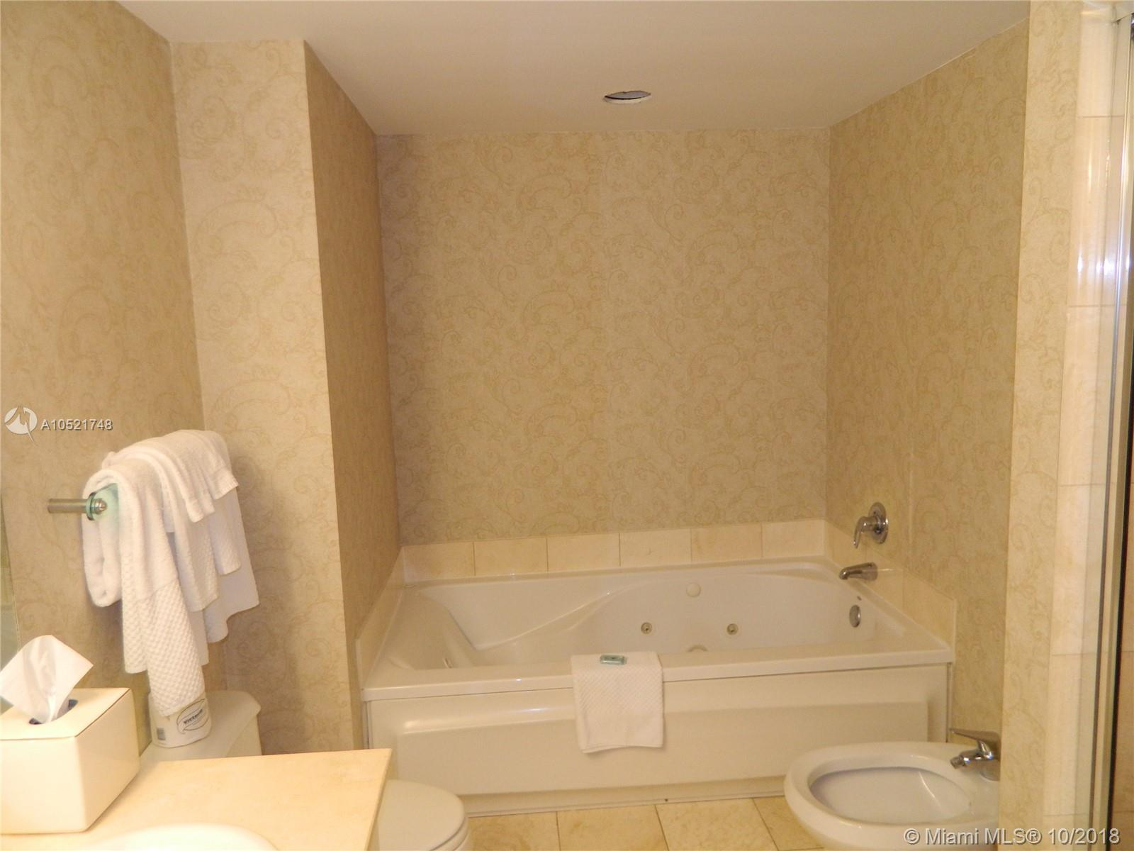 17375 Collins Ave #806 photo07
