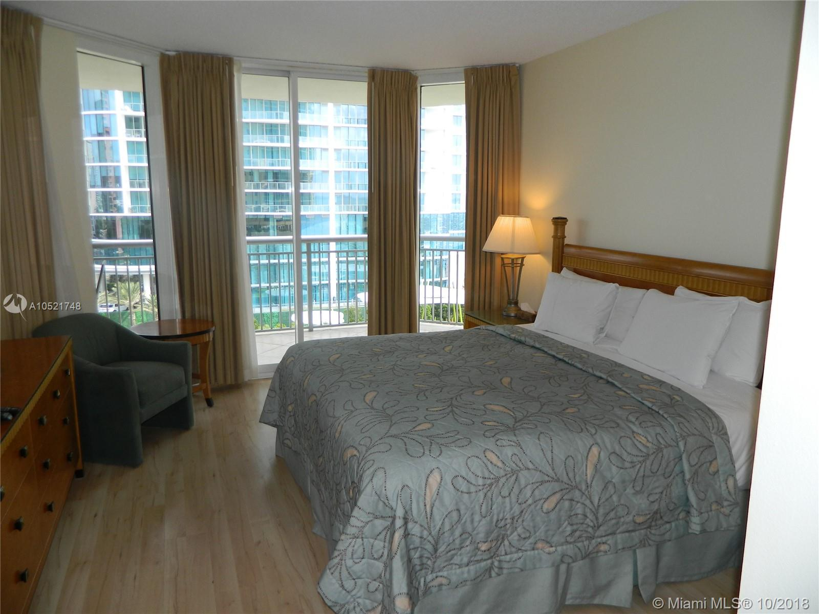 17375 Collins Ave #806 photo08