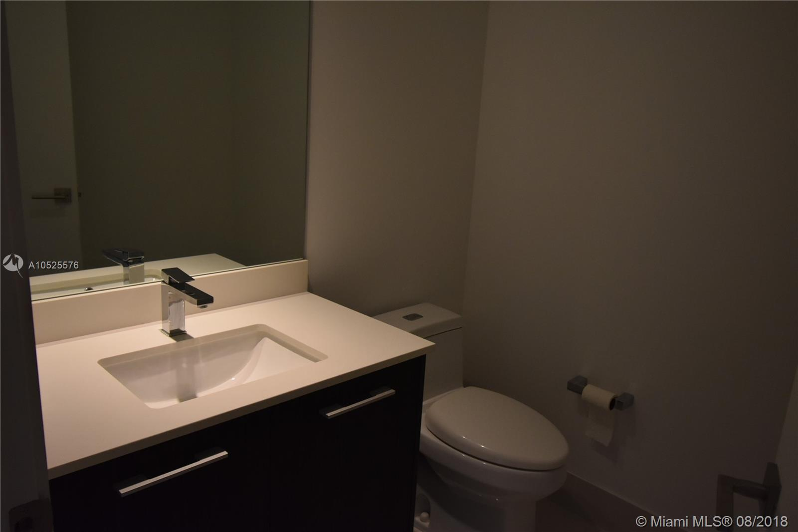 45 SW 9th St #1410 photo010