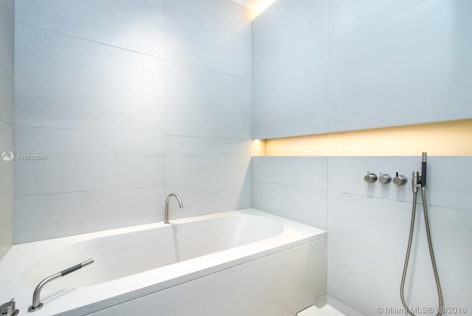 2901 Collins Ave #1204 photo031