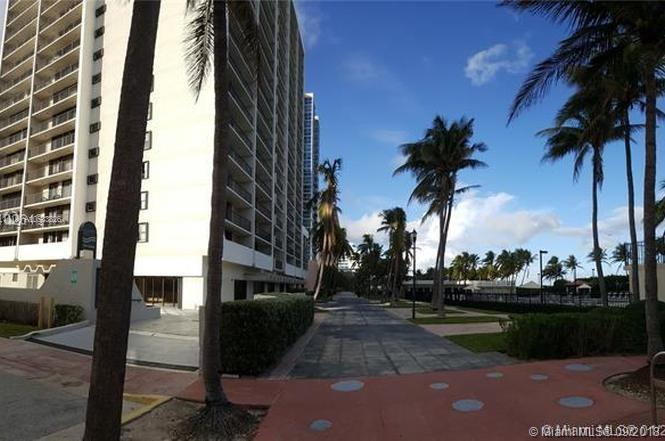2625 Collins Ave #418 photo015