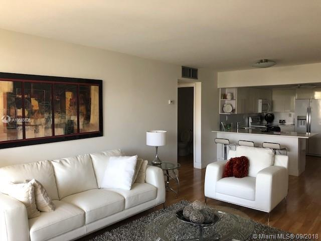 2625 Collins Ave #418 photo032