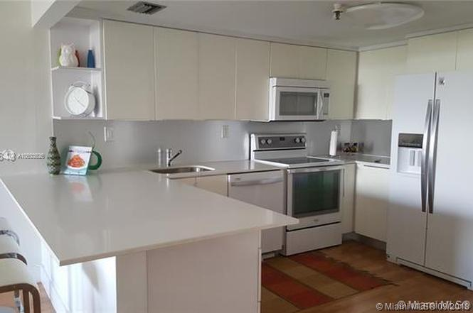 2625 Collins Ave #418 photo06