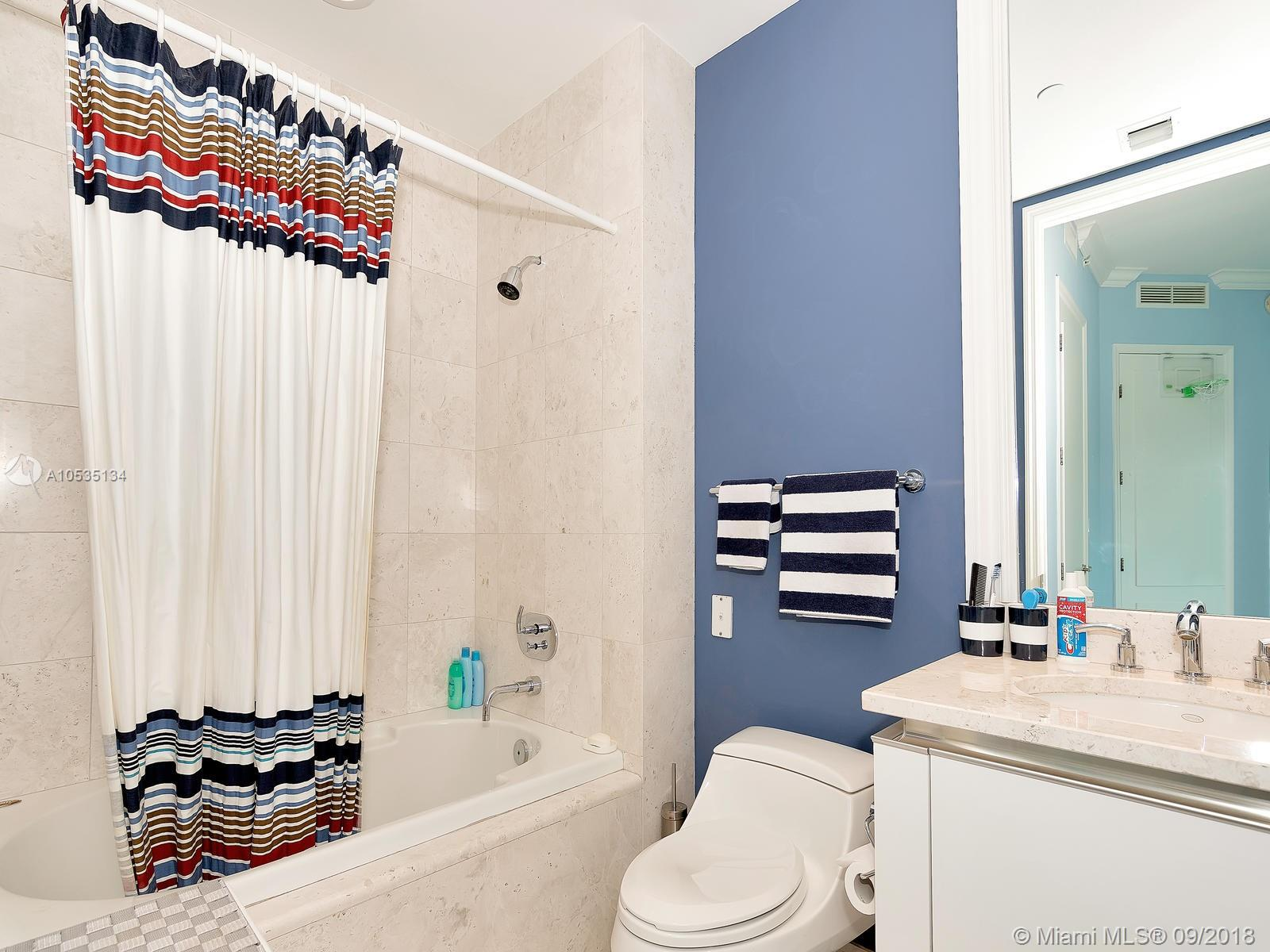 16051 Collins Ave #501 photo031