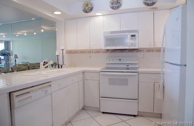 2555 Collins Ave #1707 photo05