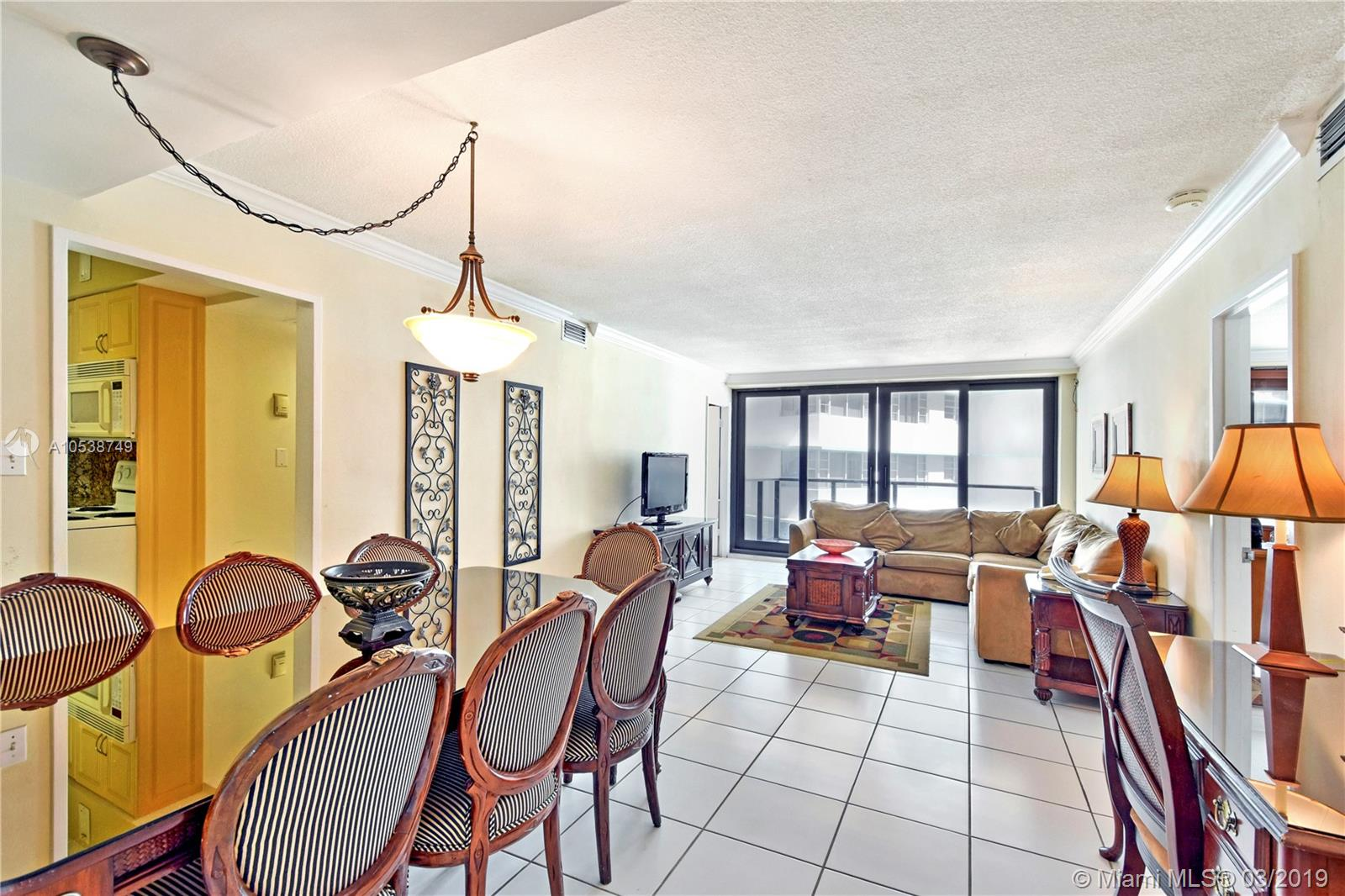 5225 Collins Ave #1416 photo01