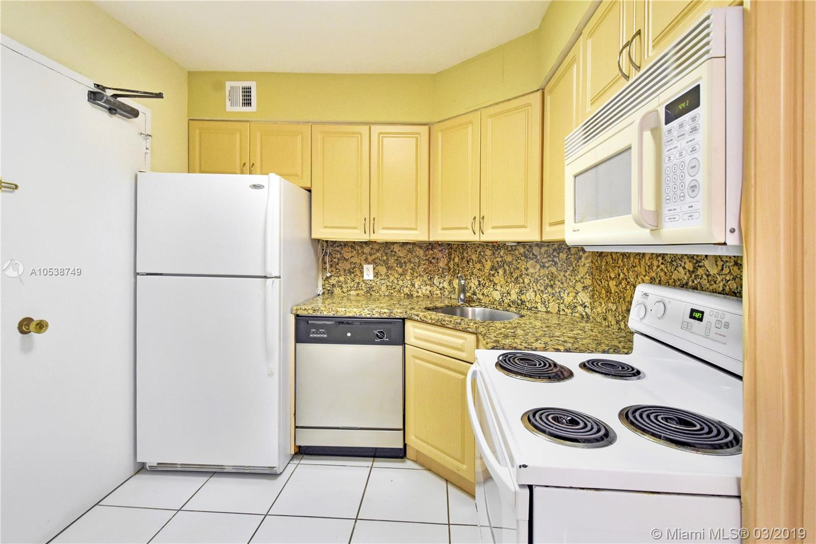 5225 Collins Ave #1416 photo015