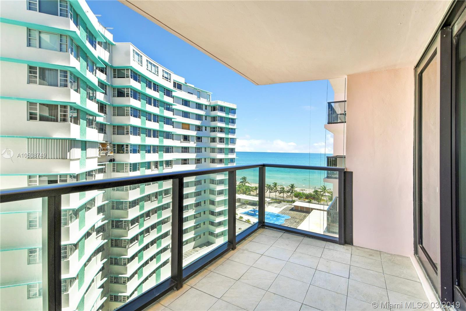 5225 Collins Ave #1416 photo02
