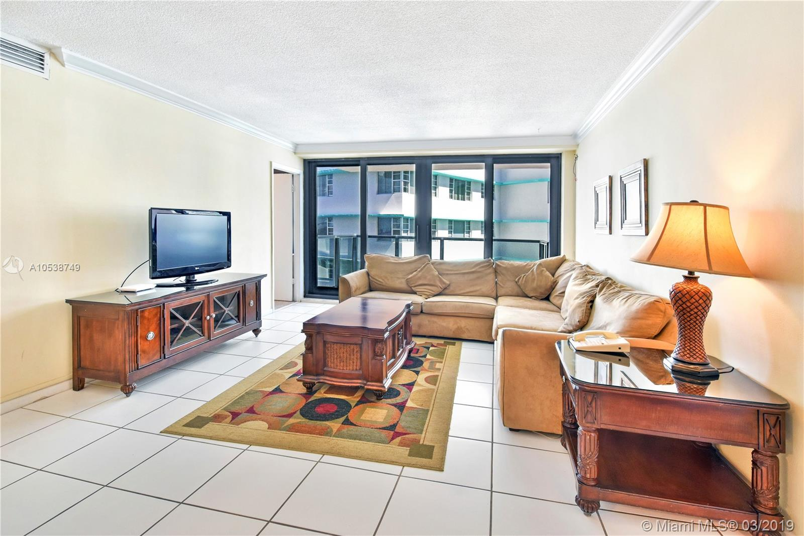 5225 Collins Ave #1416 photo04